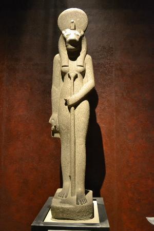 Sekhmet_statua_Museo_Egizio